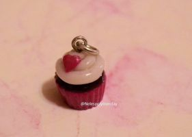Heart cupcake polymer clay bead by Nelespolymerclay