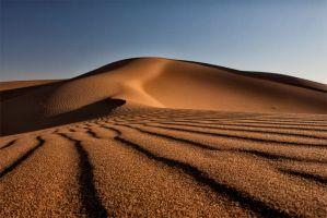 Waves of sand... by Milanogreg