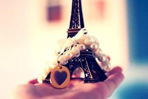 Eifel Tower by chochobelle
