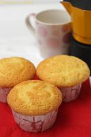 Vanilla cupcakes 1 by patchow