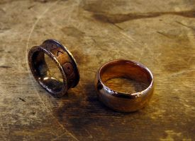 Bronze rings by Ateip