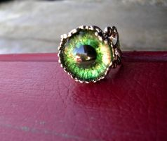 Green to Orangey-Red Glowing Estate Ring by LadyPirotessa