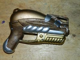 SteamPunk Raygun by sora579
