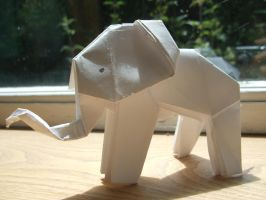 Origamiphant by Izzy-T