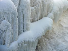 Ghosts of ice by Melusine8
