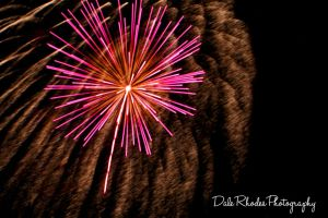 Fireworks 27 by DalePhotography