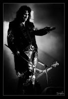 Alice Cooper - on Stage by DreamSand