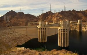 hoover_dam by tobiasth