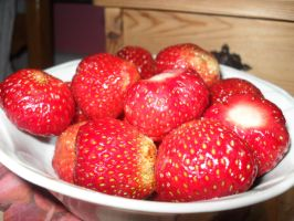 Strawberries by Gallerica