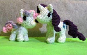 Chibi Sweetie Belle and Rarity by NerdyKnitterDesigns