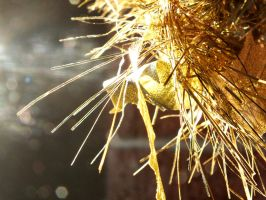 Gold tinsel by Thundred