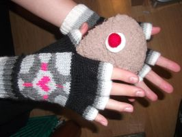 Companion Cube Gloves MkII by foxymitts