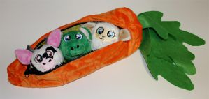 Critters in a Carrot by ShiloT
