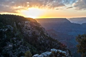 Sunset over the grand canyon by mickeybob00