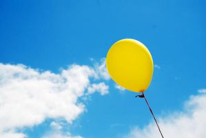 Yellow Balloon by CaptainFrightNite
