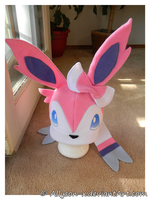Sylveon Hat by Allyson-x