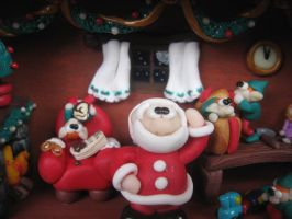 Christmas diorama: eating chocolate! by SelloCreations