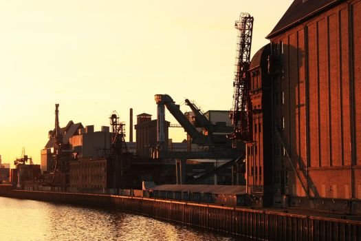 Industrial sunset by mar1anm
