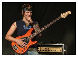 Passion For Bass by FadingBlack