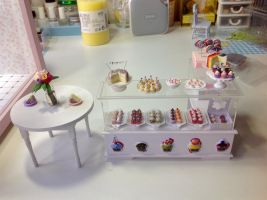 1:12 scale Cakes and Cupcakes by Almadejonge