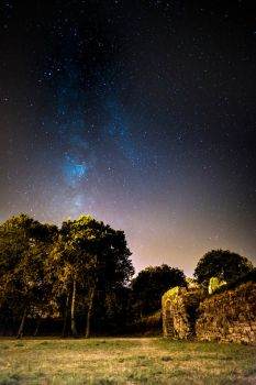 Stars above the fortress by MarcosRodriguez