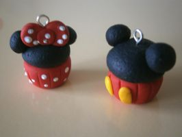 Mickey and Minnie Mouse Cupcakes by EeimmyS