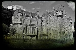 Scottish Castle by Estruda
