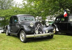 Traction Avant by S-Amadeaus
