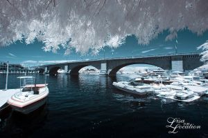 London Bridge Infrared III by jblaschke