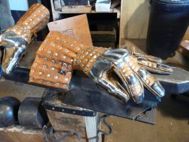 Wisby gauntlets by BrianBrownArmoury