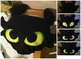 Toothless Pillow by Michi1223