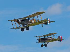 Close Formation - Old Warden by davepphotographer