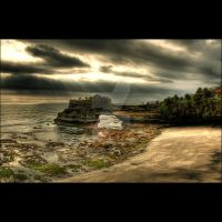 Other angle from Tanah Lot by banaspatiraja