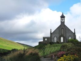 Church on the hill by Heylormammy
