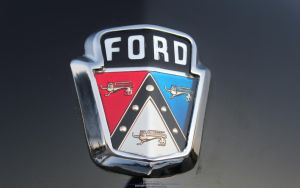 Ford Emblem by joerayphoto