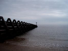 Walton on the Naze Beach I by 0hdearx