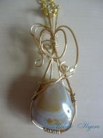 Banded agate 'Caramel' by Ilyere
