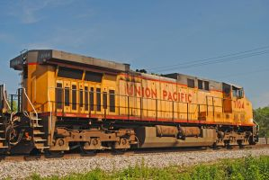UP 7104 IHB LGP_0059 5-27-12 by eyepilot13