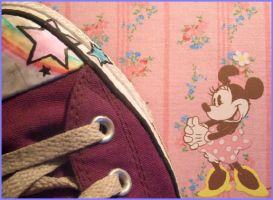 Yeah,Minni Mouse loves Chucks. by PetitMademoiselle