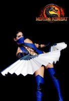 Kitana Cosplay by JuTsukinoOfficial