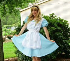 Little Alice by AriadneEvans