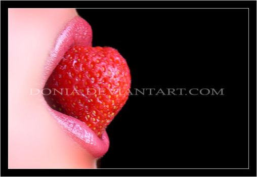 Strawberry Lips by donia