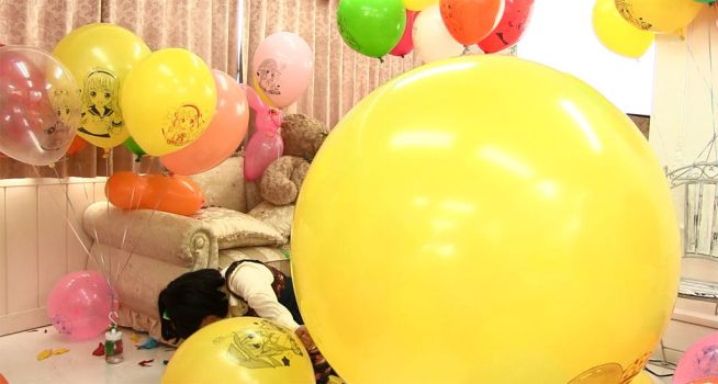 From my new video, Let's play balloon with Miya 2. by Solatokimi
