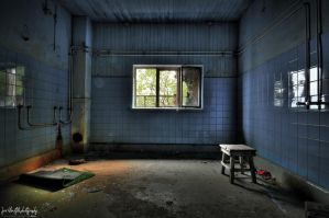 URBEX: the Shower room by wchild