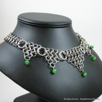 Green Dagger's Point Necklace by Utopia-Armoury