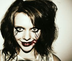 Me being scary #2 by EHilsdonPhotography