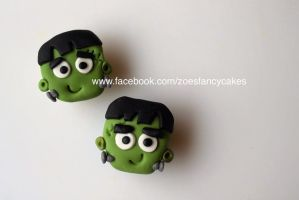 Mini Halloween cupcakes + video tutorial by zoesfancycakes
