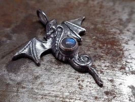 winged dragon pendant by Siihraya