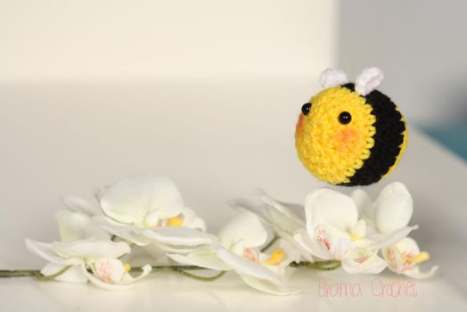 Bee amigurumi crochet doll by BramaCrochet
