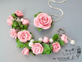 Bracelet and pendant by polyflowers